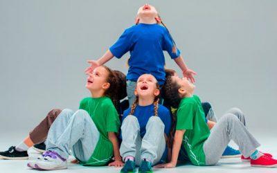 Niños que bailan